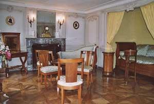 FLERS Nouveaux voilages pour la chambre de la comtesse